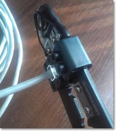 Обжимаем кабель кримпером