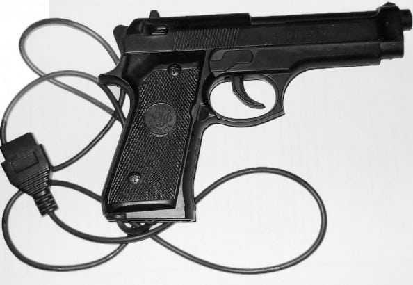 пистолет в приставке Dendy
