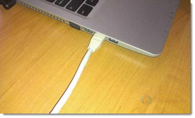 Подключаем кабель к компьютеру, или ноутбуку