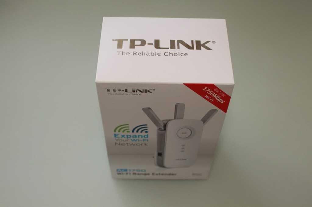 "Упакован TP-Link RE450 красиво. В стиле ""Apple""..."